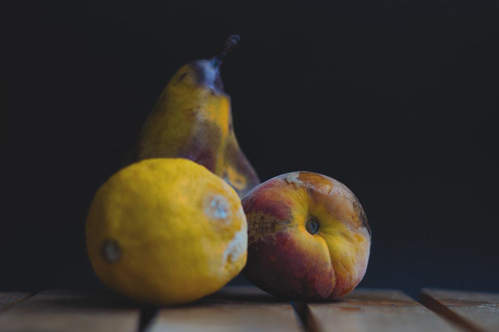 Fruta con moho